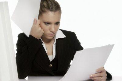 Если работник отказывается подписывать уведомление о сокращении...