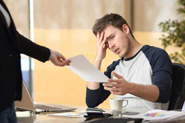 Выплаты при сокращении работника: какие компенсации положены при расчете выходного пособия сотруднику при увольнении в связи с сокращением численности или штата (должности), Женский каприз
