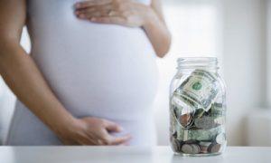 Как получить декретные если не работаешь и какие пособия положены при рождении ребенка?