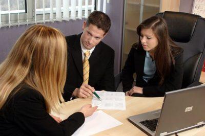 Выплаты пособий и компенсаций при увольнении по сокращению