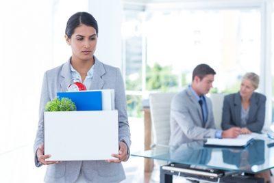Особенности увольнения работника в декретном отпуске по причине сокращения штата