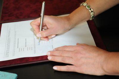 Срочный трудовой договор сотрудница беременна