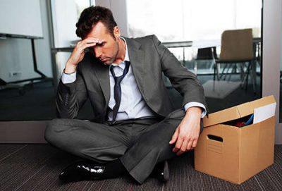 Увольнение директора по решению учредителя: процедура, выплаты, запись в трудовой